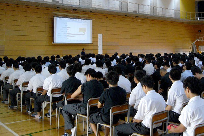 英明高等学校・講演風景1